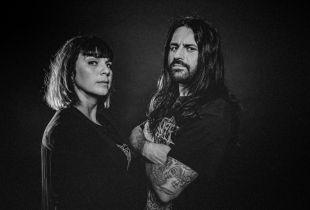 Fleddy Melculy en Sofie Engelen presenteren 'De Zwaarste Lijst' (foto: Studio Brussel - © VRT 2019)